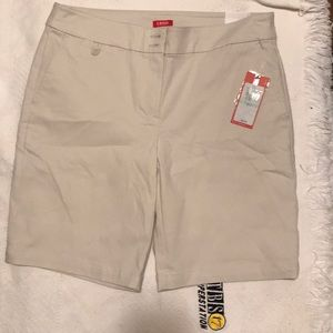 Izod Golf Shorts! NWT!